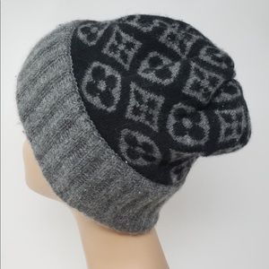 Lupus Vuitton black & grey Monogram cashmere Hat.